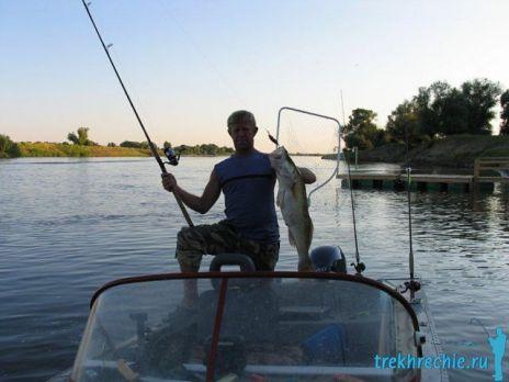 Что взять с собой на рыбалку: снасти для ловли судака